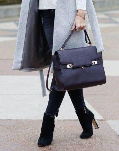 8018acaad1 Mostanában ismét divatossá váltak ismét a lakktáskák. Lepd meg magad egy új  női táskával! Válogass kedvedre kínálatunkból!